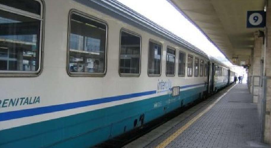 http://www.ragusanews.com//immagini_articoli/08-07-2015/4-nuovi-treni-collegheranno-gela-a-ragusa-e-modica-500.png