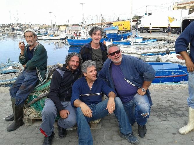 https://www.ragusanews.com//immagini_articoli/08-07-2016/chiedilo-al-mare-beppe-fiorello-a-portopalo-500.jpg