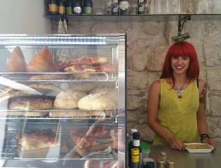 http://www.ragusanews.com//immagini_articoli/08-07-2016/lo-street-food-in-via-mormina-penna-240.jpg