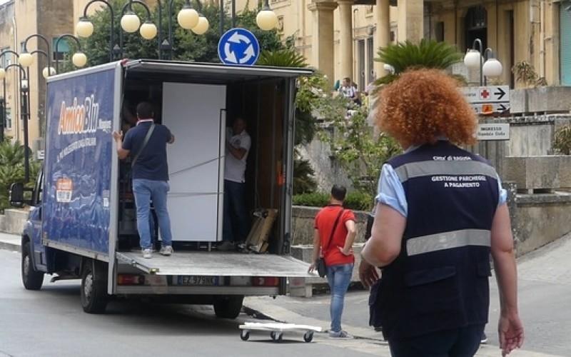 http://www.ragusanews.com//immagini_articoli/08-07-2017/analisi-mila-euro-trasferire-mila-ritrasferire-500.jpg