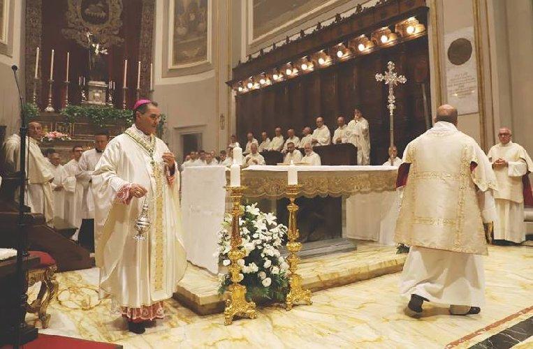 https://www.ragusanews.com//immagini_articoli/08-07-2018/anni-monsignor-cuttitta-divento-vescovo-500.jpg