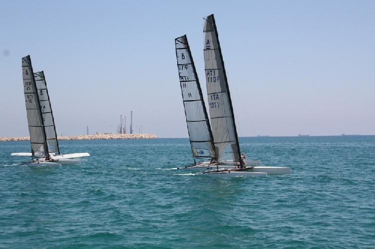 https://www.ragusanews.com//immagini_articoli/08-08-2011/il-siracusano-luigi-blancato-vince-la-regata-di-maganuco-500.jpg