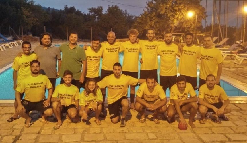 http://www.ragusanews.com//immagini_articoli/08-08-2015/pallamano-ragusa-il-nuovo-allenatore-e-danilo-scalone-500.jpg