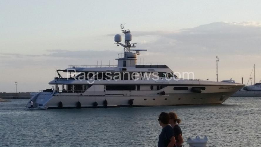 E  arrivato lo yacht 25adb22b100