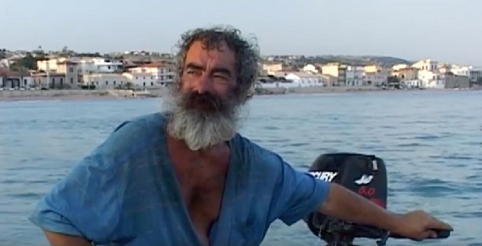 https://www.ragusanews.com//immagini_articoli/08-08-2017/marina-ricorda-enzo-gallaro-500.jpg