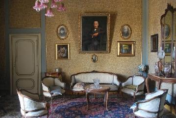 http://www.ragusanews.com//immagini_articoli/08-08-2017/residenze-depoca-apre-palazzo-castro-grimaldi-240.jpg
