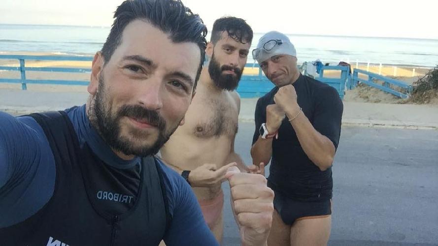 http://www.ragusanews.com//immagini_articoli/08-08-2017/vittoriesi-occhipinti-tidona-attraversano-nuoto-stretto-messina-500.jpg