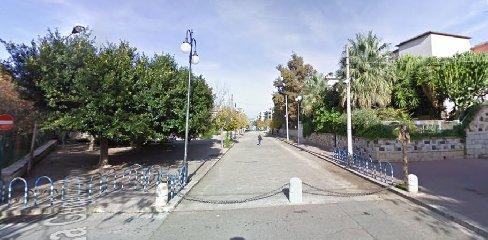 https://www.ragusanews.com//immagini_articoli/08-08-2018/comiso-lettera-gaetano-gaglio-sindaco-isola-pedonale-240.jpg