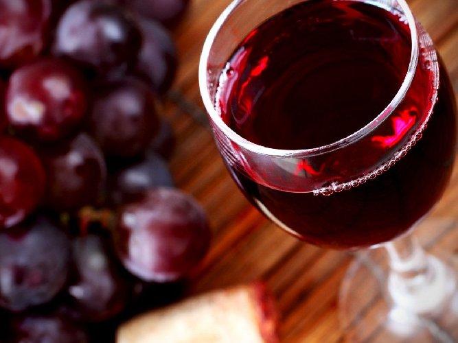 https://www.ragusanews.com//immagini_articoli/08-08-2018/regione-stanzia-milioni-promuovere-vini-siciliani-500.jpg