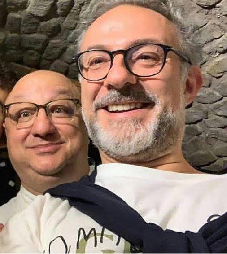 https://www.ragusanews.com//immagini_articoli/08-08-2019/lo-chef-pluristellato-massimo-bottura-a-ragusa-500.jpg