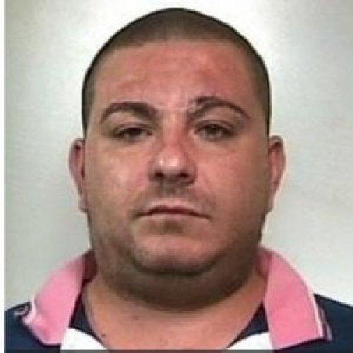 https://www.ragusanews.com//immagini_articoli/08-08-2019/tentato-omicidio-arrestato-rosario-greco-investi-due-cuginetti-500.jpg