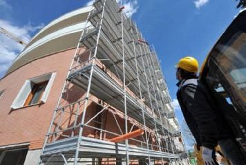 https://www.ragusanews.com//immagini_articoli/08-08-2020/ecobonus-edilizia-110-la-cessione-del-credito-240.jpg