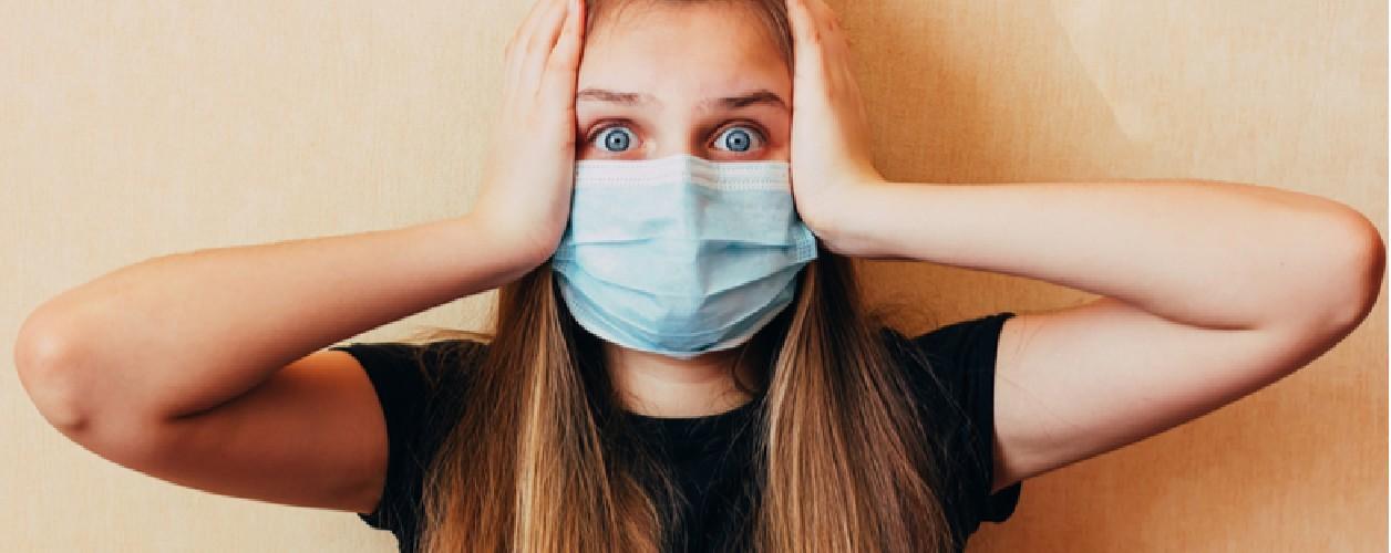 https://www.ragusanews.com//immagini_articoli/08-08-2020/perche-il-coronavirus-si-diffonde-ora-fra-gli-adolescenti-500.jpg