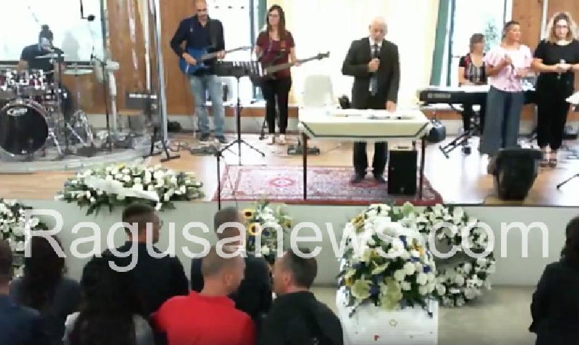 http://www.ragusanews.com//immagini_articoli/08-09-2017/celebrati-funerali-andrea-gravina-500.jpg