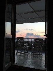 https://www.ragusanews.com//immagini_articoli/08-09-2018/1536410194-attico-affitto-donnalucata-1-240.jpg