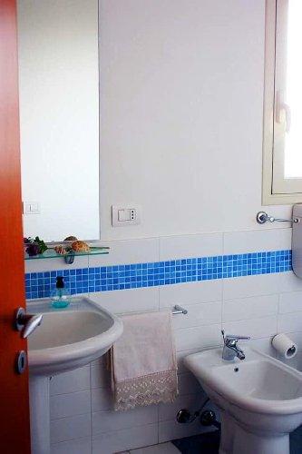 https://www.ragusanews.com//immagini_articoli/08-09-2018/1536410269-attico-affitto-donnalucata-4-500.jpg