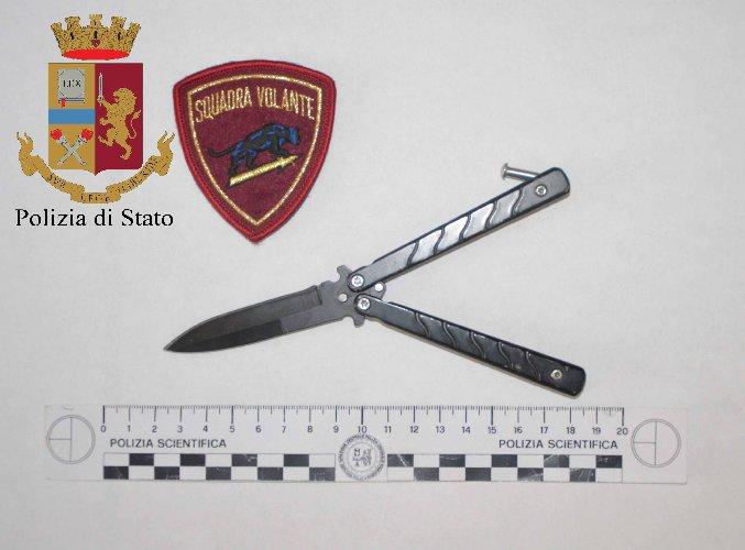 https://www.ragusanews.com//immagini_articoli/08-09-2018/escandescenza-ufficio-esecuzioni-penali-coltello-500.jpg