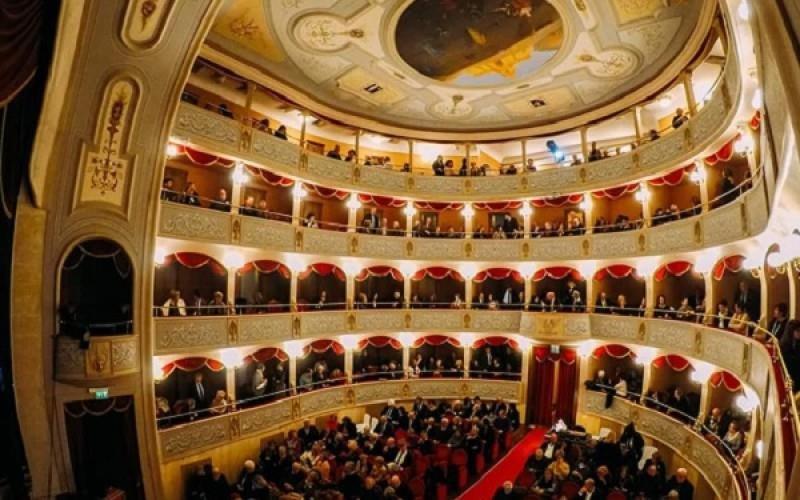 https://www.ragusanews.com//immagini_articoli/08-09-2018/modica-fondazione-teatro-500.jpg