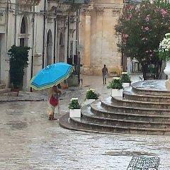 https://www.ragusanews.com//immagini_articoli/08-09-2019/1567974837-meteo-in-sicilia-ombrellone-all-ombrello-in-pochi-giorni-3-240.jpg