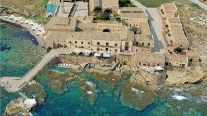 https://www.ragusanews.com//immagini_articoli/08-09-2019/resort-a-capo-passero-panvini-autorizzammo-restauro-non-volumetrie-240.jpg