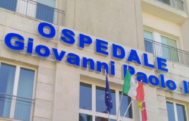 https://www.ragusanews.com//immagini_articoli/08-09-2020/ragusa-eccezionale-intervento-su-paziente-per-bloccare-dolore-cronico-240.jpg