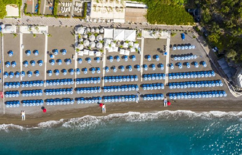 https://www.ragusanews.com//immagini_articoli/08-09-2020/sicilia-1-836-concessioni-demaniali-prorogate-al-2033-mare-privatizzato-500.jpg