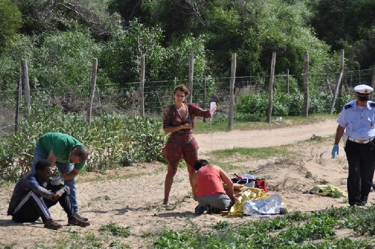 https://www.ragusanews.com//immagini_articoli/08-10-2013/migranti-se-sampieri-e-lampedusa-fossero-lisola-del-giglio-500.jpg