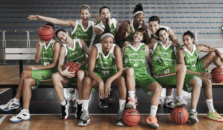 http://www.ragusanews.com//immagini_articoli/08-10-2015/vodafone-e-virtus-eirene-insieme-per-il-basket-500.jpg