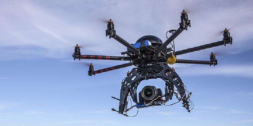 https://www.ragusanews.com//immagini_articoli/08-10-2016/droni-i-compagni-tecnologici-del-futuro-420.jpg