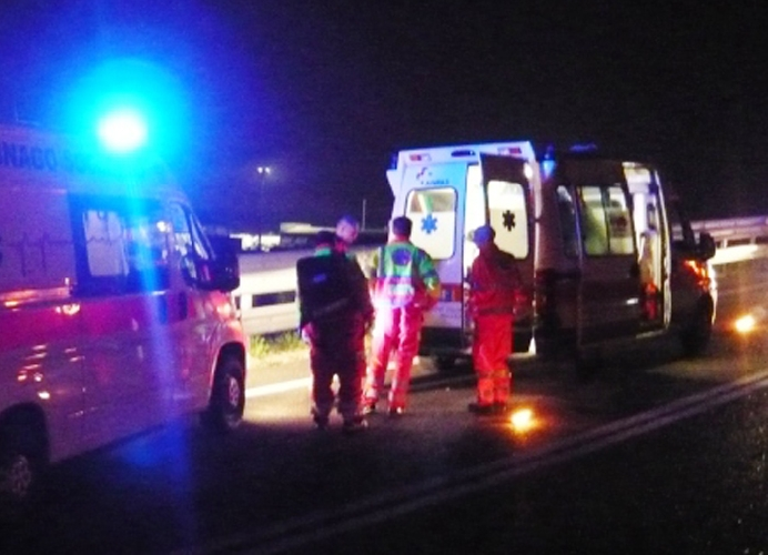 https://www.ragusanews.com//immagini_articoli/08-10-2017/incidente-modicaispica-ferito-grave-500.jpg