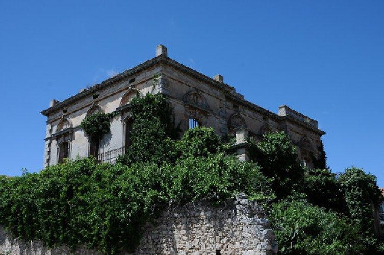 https://www.ragusanews.com//immagini_articoli/08-10-2018/giornate-ragusa-apre-villa-moltisanti-500.jpg