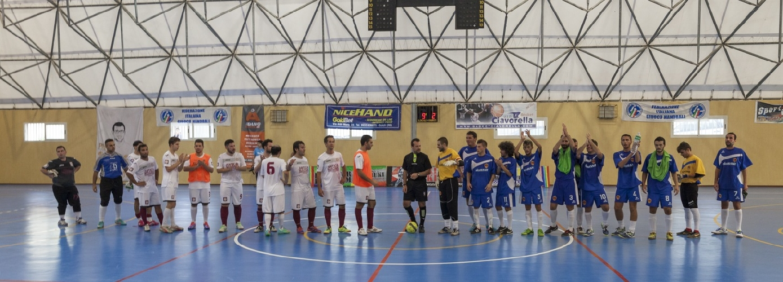 http://www.ragusanews.com//immagini_articoli/08-11-2014/scontro-al-vertice-nel-campionato-regionale-di-serie-c2-di-calcio-a-5-500.jpg