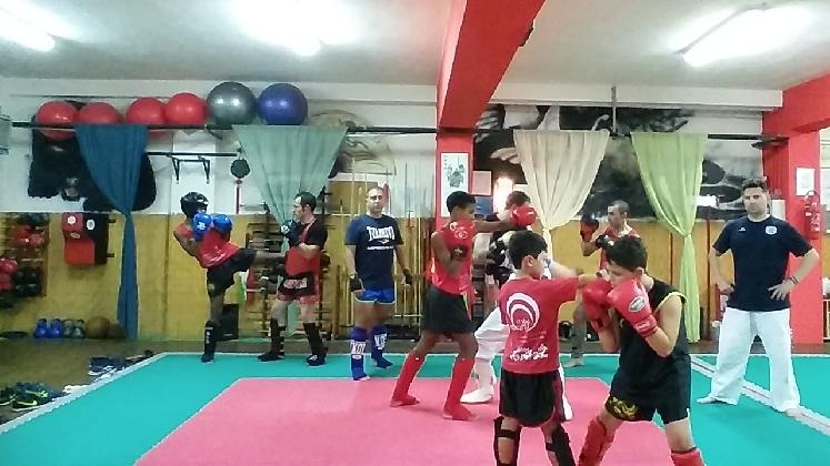 http://www.ragusanews.com//immagini_articoli/08-11-2016/ragusa-corso-interdisciplinare-di-arti-marziali-420.jpg