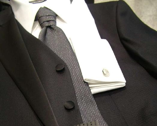 https://www.ragusanews.com//immagini_articoli/08-11-2016/riapre-nicola-calabrese-abbigliamento-420.jpg