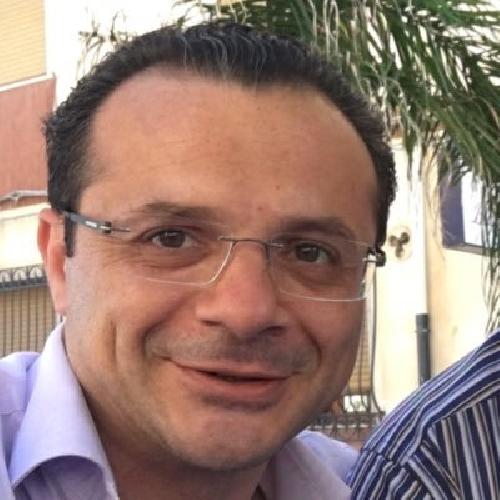 https://www.ragusanews.com//immagini_articoli/08-11-2017/cateno-luca-primo-deputato-essere-arrestato-500.jpg