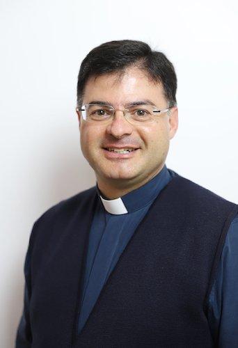 https://www.ragusanews.com//immagini_articoli/08-11-2020/a-ragusa-si-prega-per-padre-raffaele-in-coma-a-causa-del-covid-500.jpg