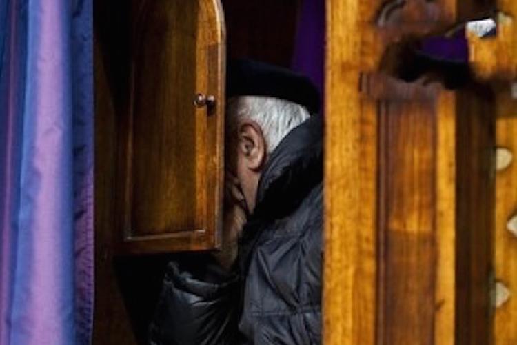 http://www.ragusanews.com//immagini_articoli/08-12-2014/scicli-la-confessione-500.jpg