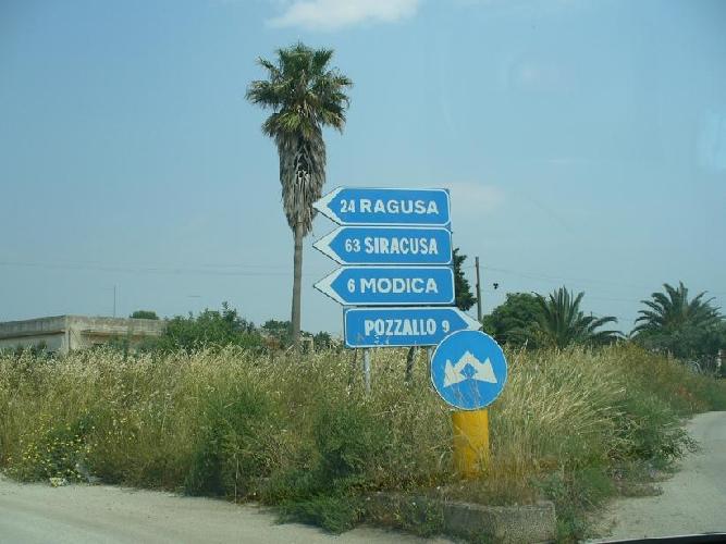 http://www.ragusanews.com//immagini_articoli/09-01-2014/scerbatura-strade-comunali-avviato-liter-per-lassegnazione-delle-opere-500.jpg