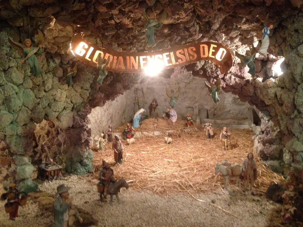 https://www.ragusanews.com//immagini_articoli/09-01-2017/1483991892-1-grotta-marinero-presepe-tutto-anno.jpg