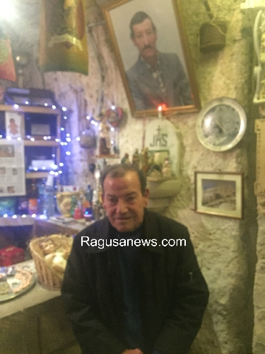 https://www.ragusanews.com//immagini_articoli/09-01-2017/grotta-marinero-presepe-tutto-lanno-500.jpg