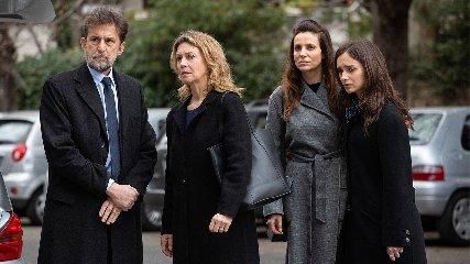 https://www.ragusanews.com//immagini_articoli/09-01-2020/esce-tre-piani-il-film-di-nanni-moretti-240.jpg
