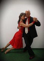 https://www.ragusanews.com//immagini_articoli/09-01-2020/lezioni-di-tango-ragusano-240.jpg