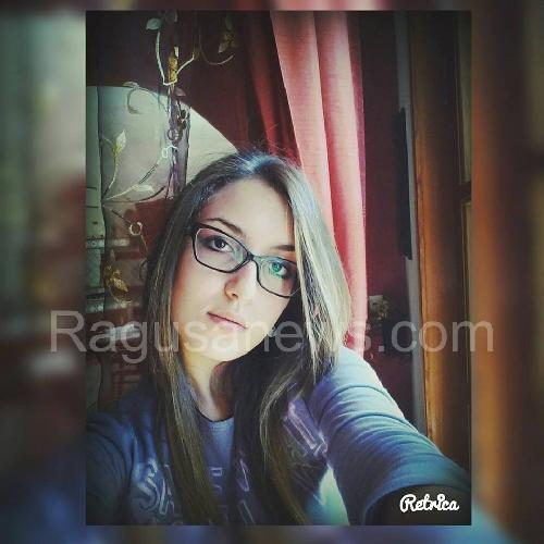 http://www.ragusanews.com//immagini_articoli/09-02-2016/incidente-a-frigintini-e-morta-la-16enne-eleonora-giurdanella-500.jpg