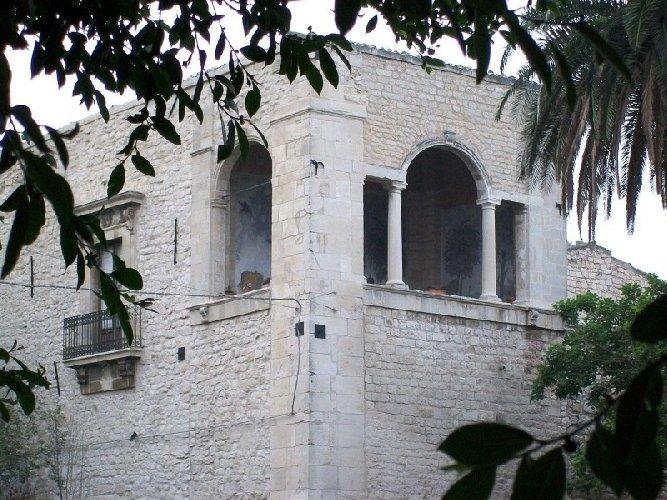 https://www.ragusanews.com//immagini_articoli/09-02-2018/comiso-eventi-arte-castello-naselli-500.jpg