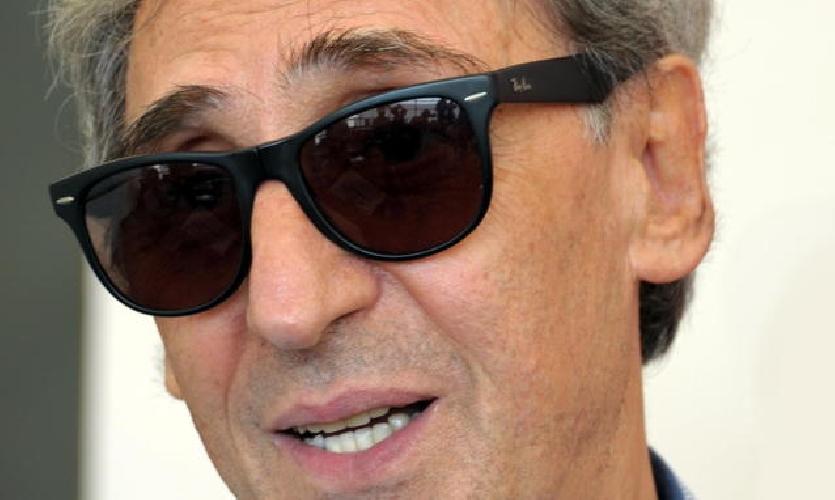 http://www.ragusanews.com//immagini_articoli/09-03-2014/franco-battiato-stamani-a-scicli-500.jpg