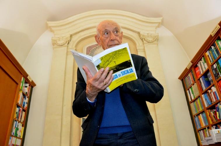 https://www.ragusanews.com//immagini_articoli/09-03-2016/aumenta-il-pubblico-dei-libri-liberi-a-ragusa-500.jpg