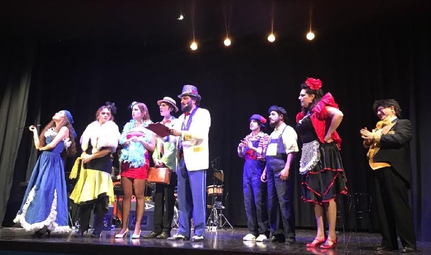 http://www.ragusanews.com//immagini_articoli/09-03-2017/gran-varieta-godot-teatro-garibaldi-500.jpg