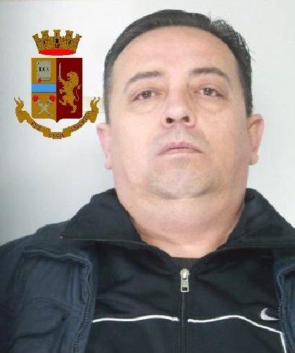 https://www.ragusanews.com//immagini_articoli/09-03-2019/arrestato-rapinatore-catanese-modica-500.jpg