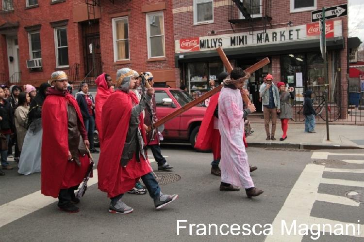 https://www.ragusanews.com//immagini_articoli/09-04-2013/pasqua-a-new-york-il-reportage-di-francesca-magnani-per-ragusanews-500.jpg