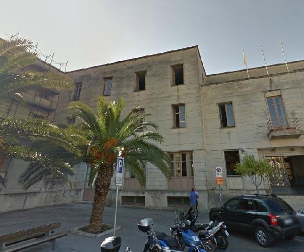 http://www.ragusanews.com//immagini_articoli/09-04-2015/si-inaugura-il-teatro-ideal-di-ragusa-500.jpg